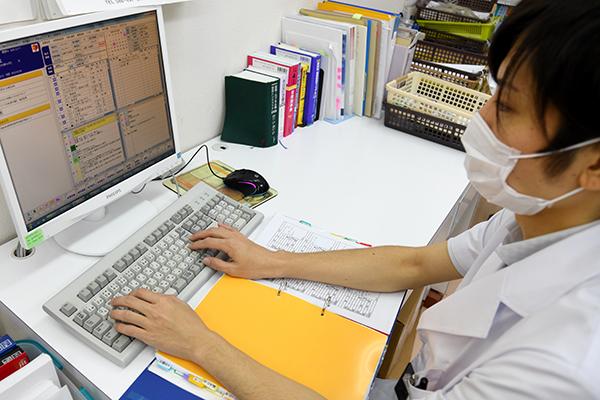 調剤業務(外来)・服薬指導・在宅訪問・薬歴⼊⼒・報告書の作成